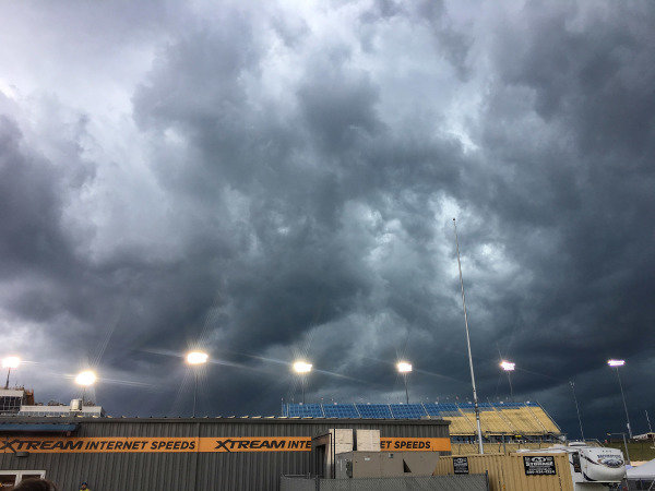Rain moves in to delay the start at Iowa