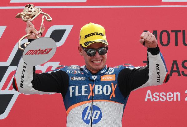 Podium: race winner Augusto Fernandez, Pons HP40.