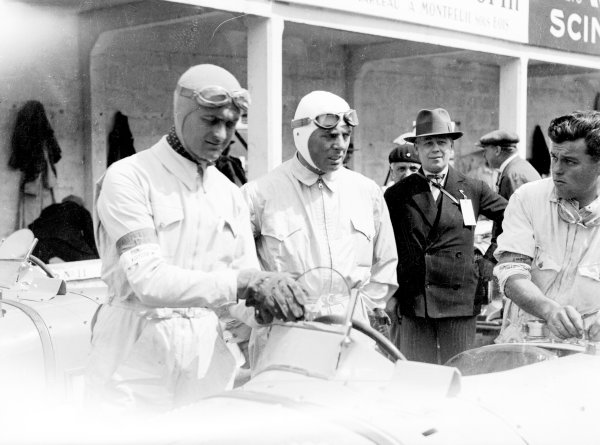 1931 French Grand Prix. Montlhery, Paris, France. 21 June 1931. Louis Chiron (left) and Achille Varzi (shared Bugatti T51), 1st position. World - LAT Photographic