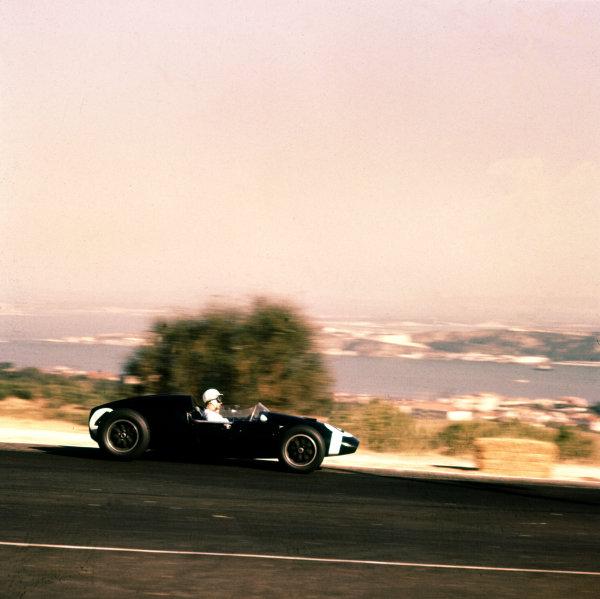 1959 Portuguese Grand Prix.Monsanto, Lisbon, Portugal.21-23 August 1959.Stirling Moss (Cooper T51 Climax) 1st position.Ref-3/0168.World Copyright - LAT Photographic