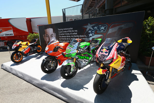 2017 Moto3 Championship - Round 6 Mugello, Italy Thursday 1 June 2017 Nicky Hayden tribute with all bikes World Copyright: Gold & Goose Photography/LAT Images ref: Digital Image 673326
