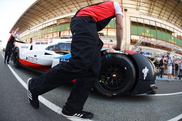 2017 Le Mans 24 Hours test day. Circuit de la Sarthe, Le Mans, France. Friday 2 June 2017 #1 Porsche Team Porsche 919 Hybrid: Neel Jani, Andre Lotterer, Nick Tandy World Copyright: Rainier Ehrhardt/LAT Images ref: Digital Image 24LM-testday-re-0082
