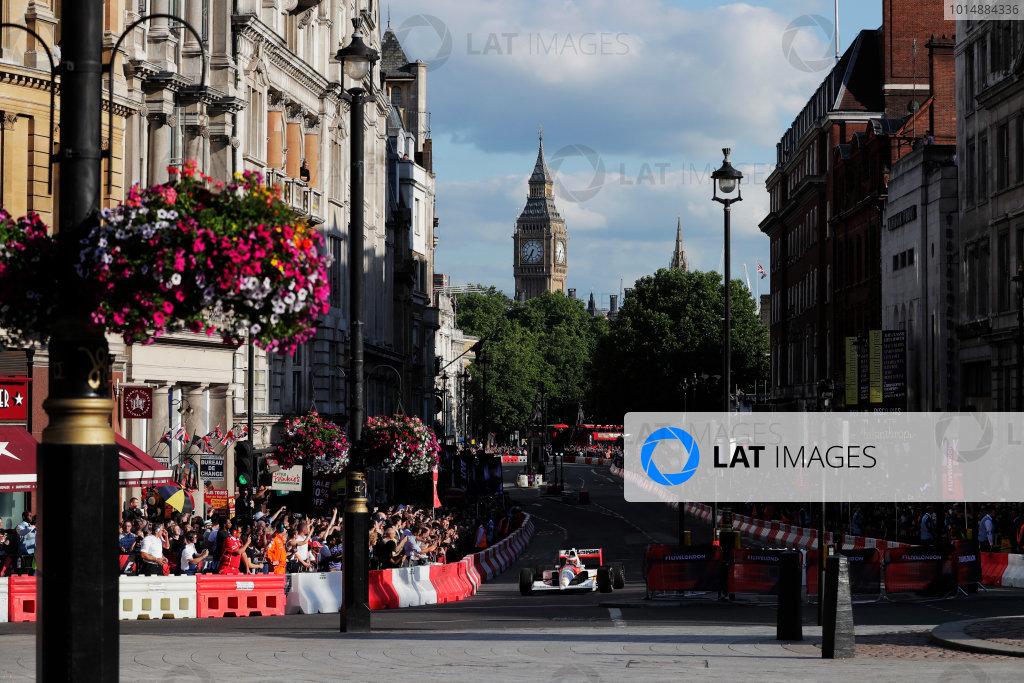 London, United Kingdom.  Wednesday 12 July 2017. Stoffel Vandoorne, McLaren, demonstrates a 1991 McLaren MP4/6 that was raced by Ayrton Senna. World Copyright: Zak Mauger/LAT Images  ref: Digital Image _54I2210