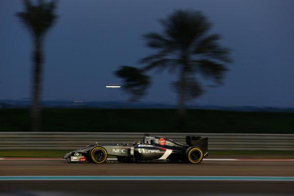 Yas Marina Circuit, Abu Dhabi, United Arab Emirates. Sunday 23 November 2014. Adrian Sutil, Sauber C33 Ferrari. World Copyright: Andrew Ferraro/LAT Photographic. ref: Digital Image _AND9355