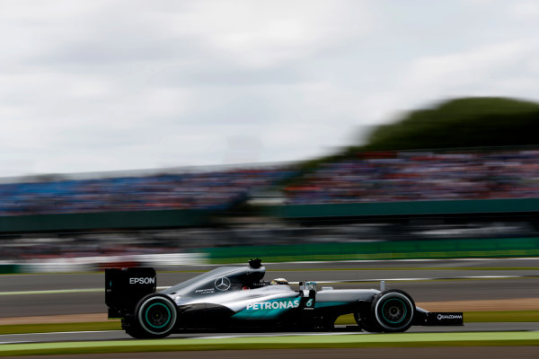 Silverstone, Northamptonshire, UK Friday 08 July 2016. Lewis Hamilton, Mercedes F1 W07 Hybrid. World Copyright: Glenn Dunbar/LAT Photographic ref: Digital Image _V2I6783