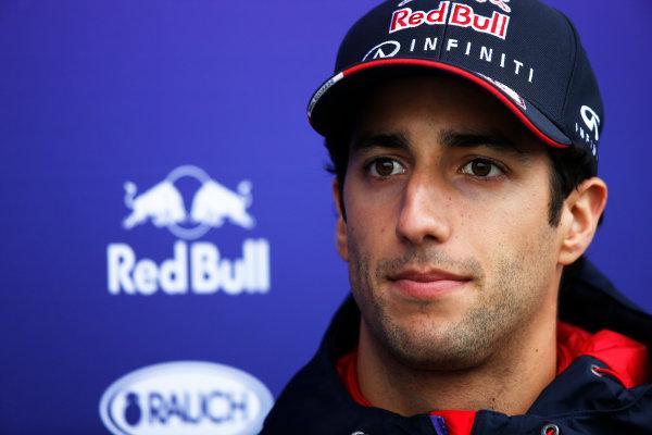 Shanghai International Circuit, Shanghai, China. Saturday 19 April 2014. Daniel Ricciardo, Red Bull Racing. World Copyright: Charles Coates/LAT Photographic. ref: Digital Image _J5R6385
