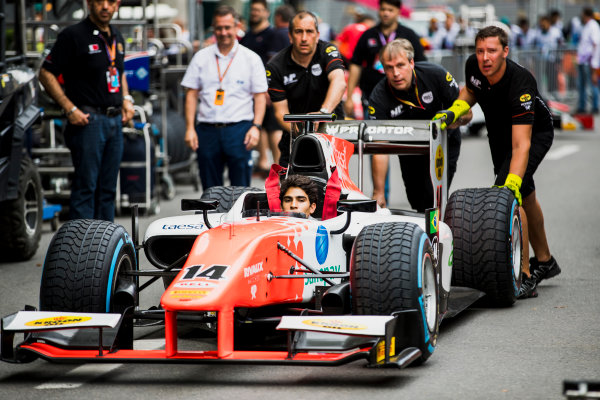 2017 FIA Formula 2 Round 4. Baku City Circuit, Baku, Azerbaijan. Thursday 22 June 2017. Sergio Sette Camara (BRA, MP Motorsport) practice pitstops. Photo: Zak Mauger/FIA Formula 2. ref: Digital Image _56I6470