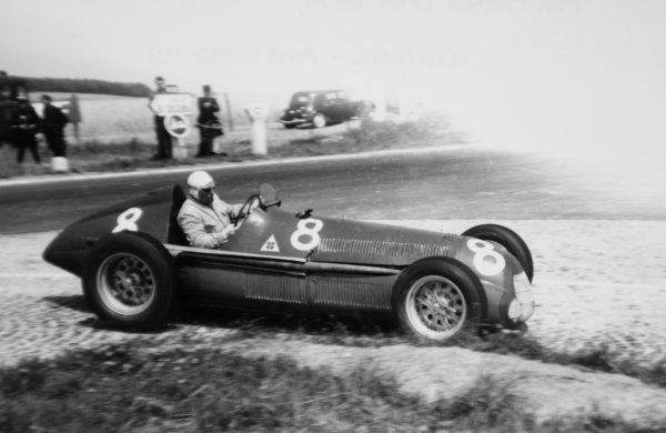 1951 French Grand Prix.Reims-Gueux, France. 1 July 1951.Luigi Fagioli (Alfa Romeo 159). He handed the car to Juan Manuel Fangio who finished in 1st position.World Copyright - LAT Photographic