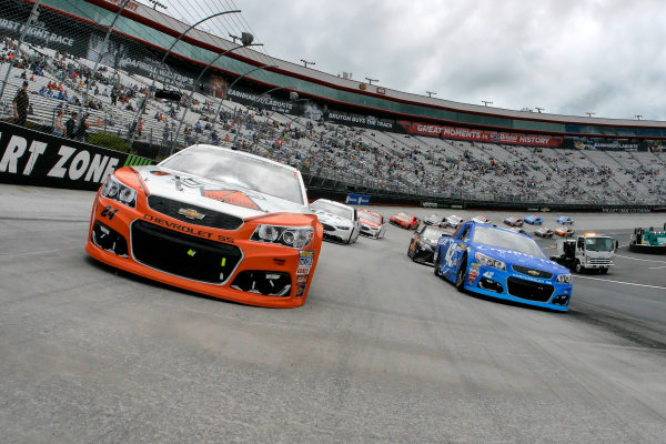 Monster Energy NASCAR Cup Series Food City 500 Bristol Motor Speedway, Bristol, TN USA Monday 24 April 2017 Kyle Larson and Chase Elliott on the pace laps World Copyright: Lesley Ann Miller LAT Images ref: Digital Image lam_170424BMS35729