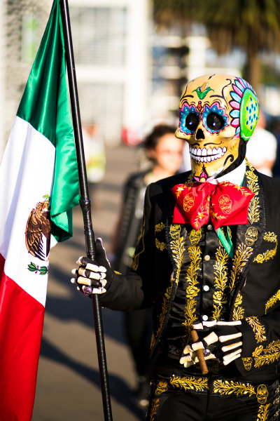 Autodromo Hermanos Rodriguez, Mexico City, Mexico. Friday 27 October 2017.  A fan in a Day of the Dead outfit. World Copyright: Sam Bloxham/LAT Images  ref: Digital Image _J6I9561