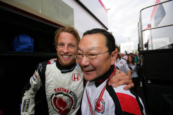2006 Hungarian Grand Prix - Sunday Race Hungaroring, Budapest, Hungary. 3rd - 6th August. Jenson Button and Yasuhiro Wada, portrait. World Copyright: Lorenzo Bellanca/LAT Photographic ref: Digital Image ZD2J4662