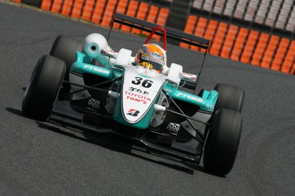 2008 Japanese F3 ChampionshipRound 4 - Autopolis, Japan. 26th - 27th April 2008Race winner Keisuke Kunimoto (Petronas Team Tom's), 1st position. Action. World Copyright: Masahide Kamio / LAT Photographicref: Digital image 2008JF3_R3&4_007
