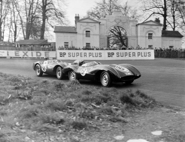 Dick Protheroe, J. Ogier, Tojeiro-Jaguar, leads Duncan Hamilton, H.W. Motors, HWM Jaguar.