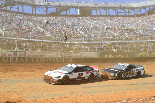 #2: Brad Keselowski, Team Penske, Ford Mustang Discount Tire, #10: Aric Almirola, Stewart-Haas Racing, Ford Mustang Smithfield