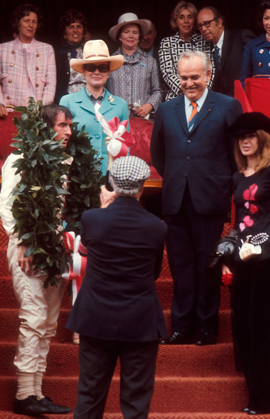 1971 Monaco Grand Prix.Monte Carlo, Monaco.20-23 May 1971.Jackie Stewart (Tyrrell Ford) 1st position on the podium, with HSH Prince Rainier, Princess Grace and wife Helen Stewart.Ref-71 MON 13.World Copyright - LAT Photographic