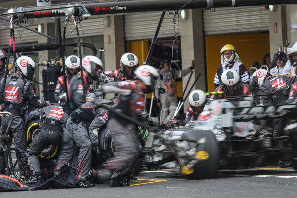 Kevin Magnussen (DEN) Haas VF-17 makes a pitstop at Formula One World Championship, Rd18, Mexican Grand Prix, Race, Circuit Hermanos Rodriguez, Mexico City, Mexico, Sunday 29 October 2017.