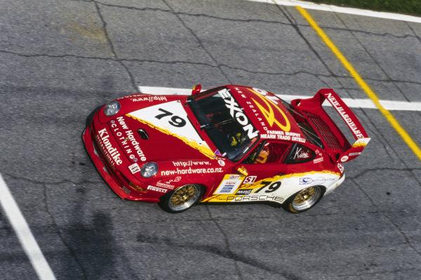 Bill Farmer / Robert Nearn / Greg Murphy / Stéphane Ortelli / Alex Tradd, Parr Motorsport/New Hardware, Porsche 993 GT2.