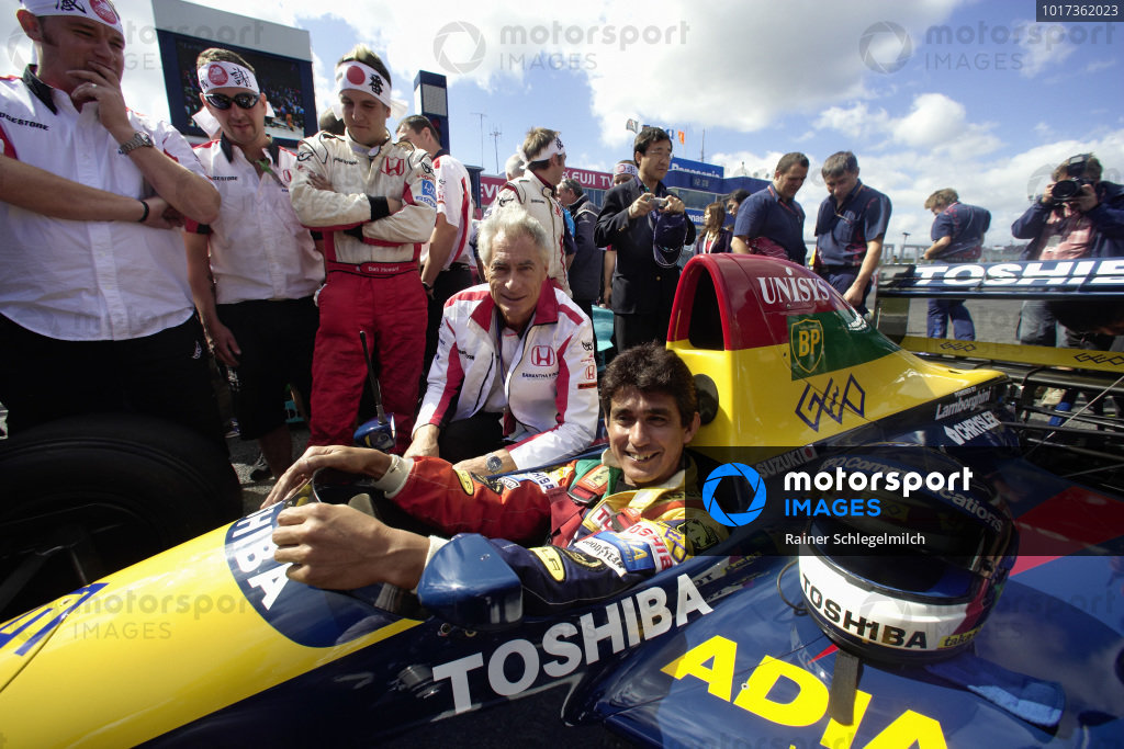 Team founder Aguri Suzuki in his original Lola 90 Lamborghini (in which he gained third place in 1990 at Suzuka) with Daniele Audetto, former boss of the Lamborghini F1 engine program and now the Super Aguri team manager.