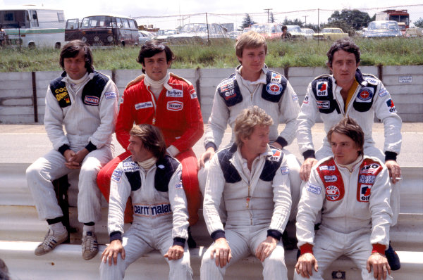 1978 South African Grand Prix.Kyalami, South Africa.2-4 March 1978.Frenchmen together. (Back L-R) Jean-Pierre Jarier (ATS Ford), Patrick Tambay (Ferrari), Didier Pironi and Patrick Depailler (Both Tyrrell Ford). (Front L-R) Jacques Laffite (Ligier Matra), Jean-Pierre Jabouille (Renault) & Rene Arnoux (Martini Ford).Ref-78 SA 17.World Copyright - LAT Photographic