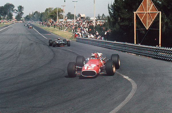 Mexico City, Mexico.20-22 October 1967.Jonathan Williams (Ferrari 312) leads Jackie Stewart (BRM P115). Williams finished in 8th position.Ref-35mm 67 MEX 13.World Copyright - LAT Photographic