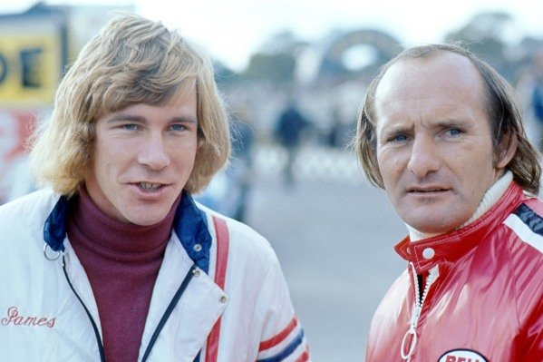 James Hunt (GBR), left, and Mike Hailwood (GBR), right