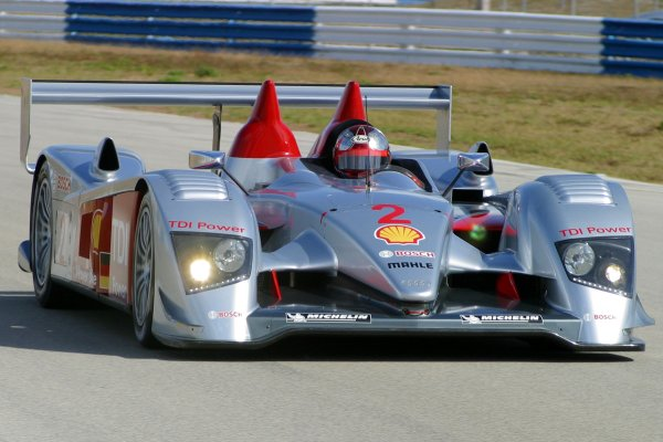 JANUARY 23-25, 2006, SEBRING INTERNATIONAL RACEWAY , NO 2 AUDI R10 ©2006, GREG ALECK/LAT