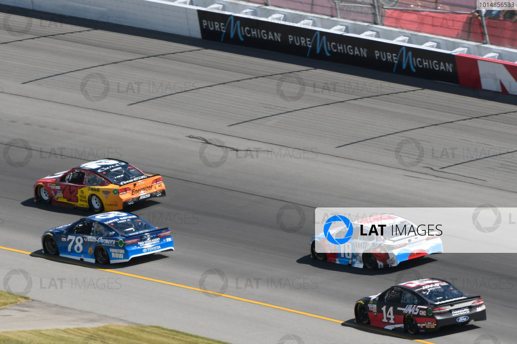 Monster Energy NASCAR Cup Series FireKeepers Casino 400 Michigan International Speedway, Brooklyn, MI USA Sunday 18 June 2017 Kyle Larson, Chip Ganassi Racing, Cars 3 Target Chevrolet SS, Martin Truex Jr, Furniture Row Racing, Auto-Owners Insurance Toyota Camry, Kyle Busch, Joe Gibbs Racing, M&M's Red, White & Blue Toyota Camry, Clint Bowyer, Stewart-Haas Racing, Haas-Automation Ford Fusion World Copyright: Logan Whitton LAT Images