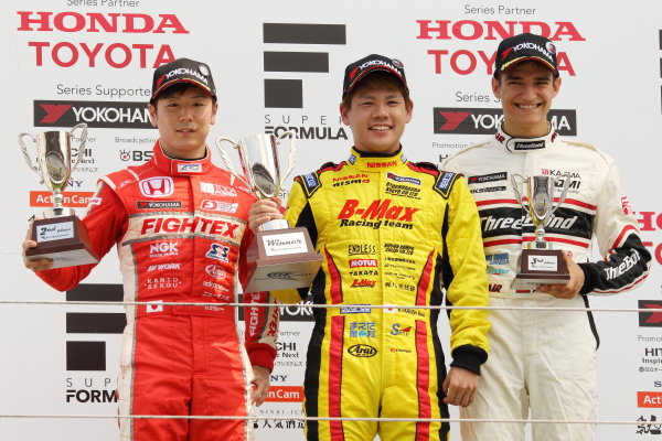 2017 Japanese Formula 3 Championship. Fuji, Japan. 8th - 9th July 2017. Rd 12 & 13. Rd12 Winner Mitsunori Takaboshi ( #23 B-MAX NDDP F3 ) 2nd position Hiroki Otsu ( #2 TODA RACING ) 3rd position Alex Palou ( #12 ThreeBond Racing with DRAGO CORSE ) podium portrait World Copyright: Yasushi Ishihara / LAT Images. Ref: 2017JF3_Rd12&13_004