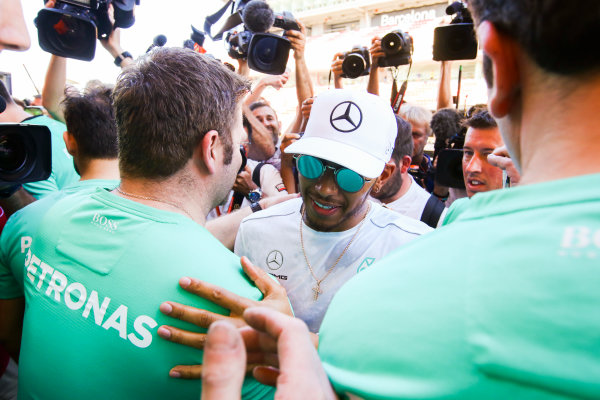 Circuit de Catalunya, Barcelona, Spain. Sunday 14 May 2017. Lewis Hamilton, Mercedes AMG, 1st Position, celebrates victory with his team. World Copyright: Charles Coates/LAT Images ref: Digital Image DJ5R2041