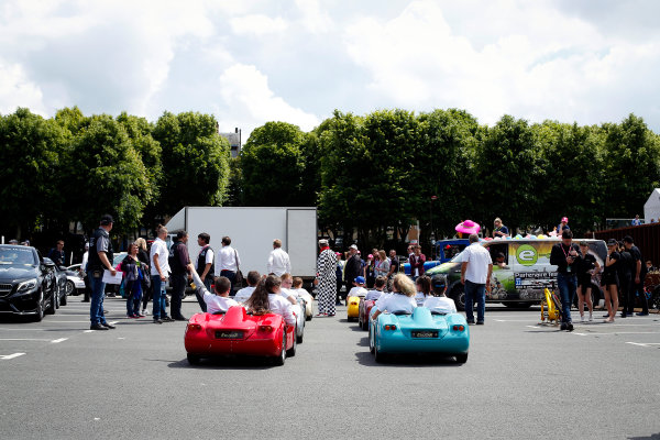 Le Mans Driver's Parade 2016. Cars, Bikes and People Gather For The Start Of The Event. Friday 17 June 2016 Photo: Adam Warner / LAT ref: Digital Image _L5R3928