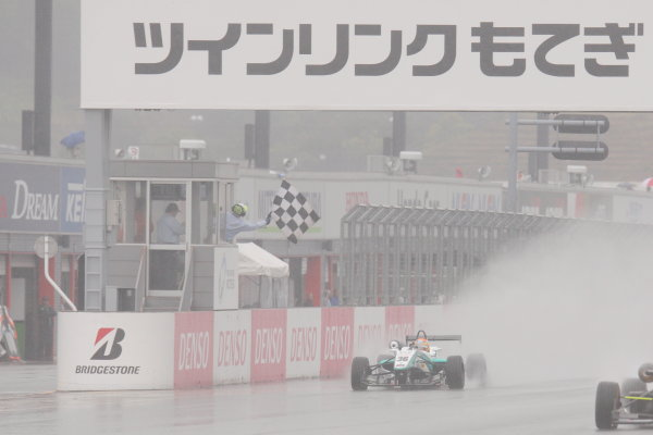 Motegi, Japan. 11th - 12th 2013. Rd 2. Race 1 - Winner  Yuichi Nakayama ( #36 PETRONAS TEAM TOM'S ) action World Copyright: Yasushi Ishihara/LAT Photographic Ref: 2013JF3_Rd3_03