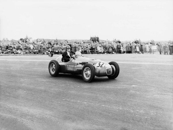 Silverstone, Great Britain. 10 May 1952.Tony Rolt (HWM).Ref-Motor 771/10.World Copyright - LAT Photographic