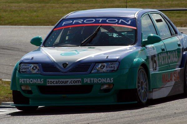 David Leslie (GBR) Team Petronas.British Touring Car Championship, Rd 5, Rockingham, England, 21-22 June 2003.DIGITAL IMAGE