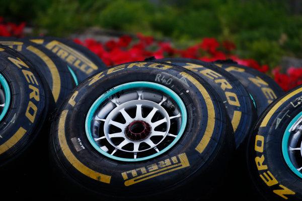 2014 F1 Pre Season Test 2 - Day 3 Bahrain International Circuit, Bahrain. Saturday 22 February 2014. Wheels and tyres. World Copyright: Glenn Dunbar/LAT Photographic. ref: Digital Image _W2Q4632