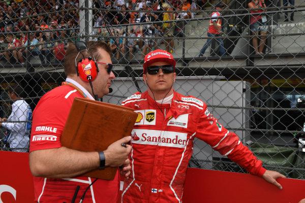 Kimi Raikkonen (FIN) Ferrari and Dave Greenwood (GBR) Ferrari Race Engineer on the grid at Formula One World Championship, Rd9, Austrian Grand Prix, Race, Spielberg, Austria, Sunday 9 July 2017. BEST IMAGE