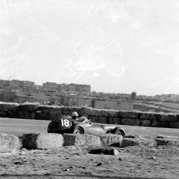 1958 Moroccan Grand Prix.Ain-Diab, Casablanca, Morocco.17-19 October 1958.Jo Bonnier (BRM P25) 4th position.Ref-2584.World Copyright - LAT Photographic