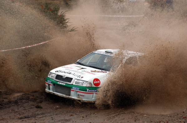 World Rally Championship, Rally of Argentina, May 16-19, 2002.Kenneth Eriksson splashes through water on stage 7.Photo: Ralph Hardwick/LAT