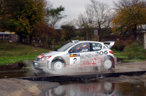 World Rally Championship, Rally of Argentina, May 17-20, 2002.Marcus Gronholm during shakedown.Photo: Ralph Hardwick/LAT