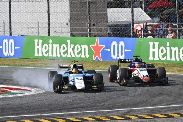 Lirim Zendeli (DEU, MP Motorsport) Enzo Fittipaldi (BRA, Charouz Racing System)