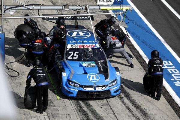 Philipp Eng, BMW Team RBM, BMW M4 DTM, pitstop.