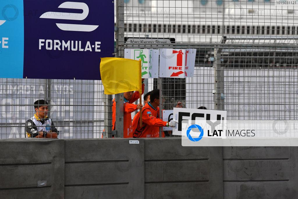 2017/2018 FIA Formula E Championship. Round 1 - Hong Kong, China. Saturday 02 December 2018. Full Course Yellow flag. Photo: Mark Sutton/LAT/Formula E ref: Digital Image DSC_8396
