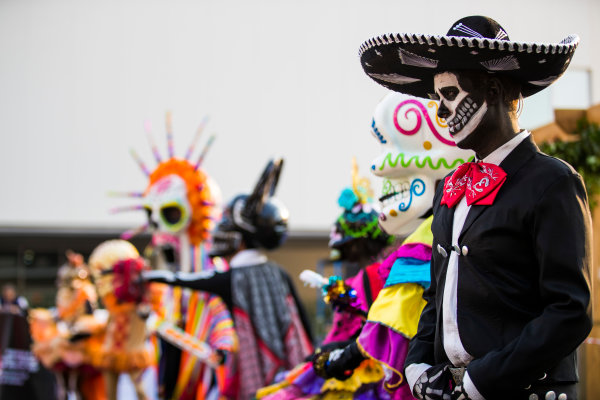 Autodromo Hermanos Rodriguez, Mexico City, Mexico. Thursday 26 October 2017. Day of the Dead-style costumes are worn in the paddock. World Copyright: Sam Bloxham/LAT Images  ref: Digital Image _J6I8686