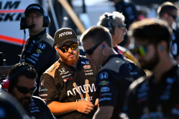 Verizon IndyCar Series ABC Supply 500 Pocono Raceway, Long Pond, PA USA Saturday 19 August 2017 James Hinchcliffe, Schmidt Peterson Motorsports Honda crew World Copyright: Scott R LePage LAT Images ref: Digital Image lepage-170819-poc-0553