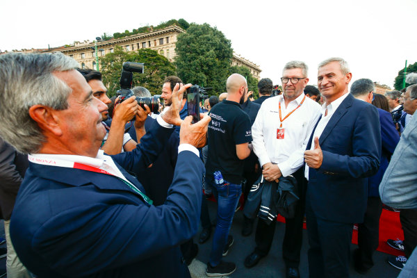 Autodromo Nazionale di Monza, Italy. Thursday 31 August 2017. Ross Brawn, Managing Director of Motorsports, FOM, at the parade in Milan. World Copyright: Andy Hone/LAT Images  ref: Digital Image _ONY4977