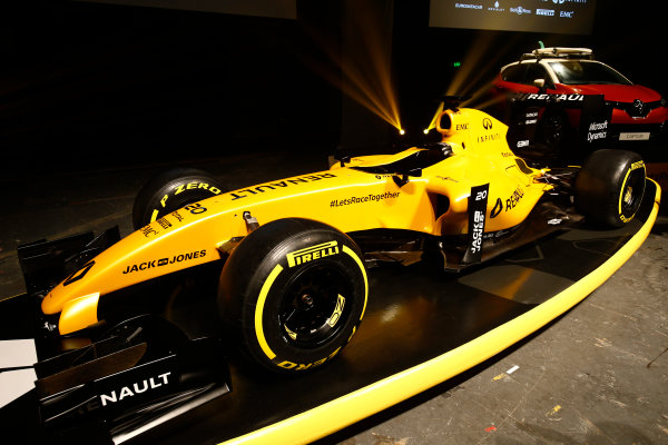 Albert Park, Melbourne, Australia. Wednesday 16 March 2016. The Renault RS16 in its new livery. World Copyright: Andy Hone/LAT Photographic ref: Digital Image _ONY9914