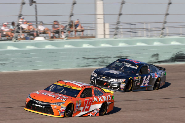 18-20 November, 2016, Homestead, Florida USA Carl Edwards, ARRIS Surfboard Toyota Camry Tony Stewart ©2016, Matthew T. Thacker LAT Photo USA