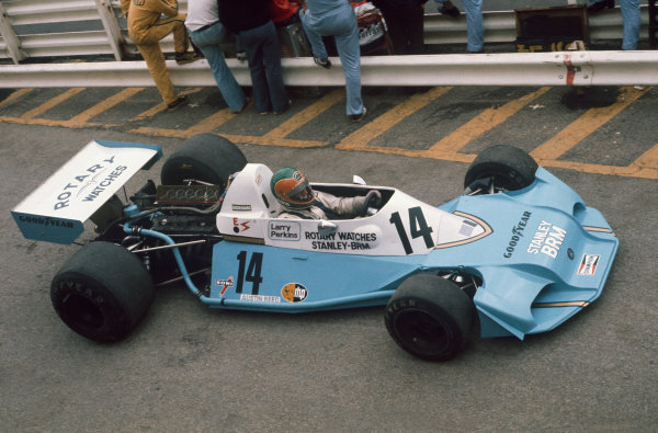 1977 South African Grand Prix. Kyalami, South Africa. 3-5 March 1977. Larry Perkins, B.R.M. P201B, 15th position, action. World Copyright: LAT Photographic. Ref: 77SA