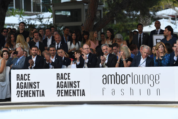 Monte Carlo, Monaco. Friday 26 May 2017. HSH Prince Albert of Monaco (MON) and Chase Carey (USA) Chief Executive Officer and Executive Chairman of the Formula One Group at the Amber Lounge Fashion Show, Le Meridien Beach Plaza Hotel, Monaco World Copyright: Mark Sutton/Sutton/LAT Images ref: Digital Image dcd1727my328