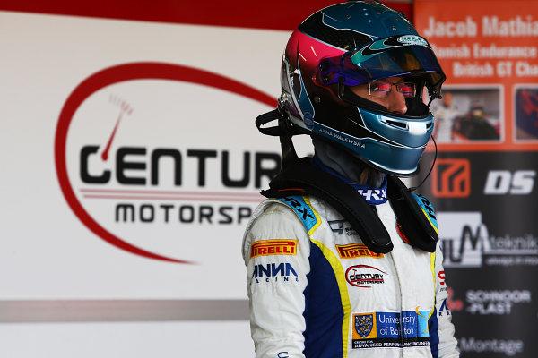 Round 8 - Brands Hatch
