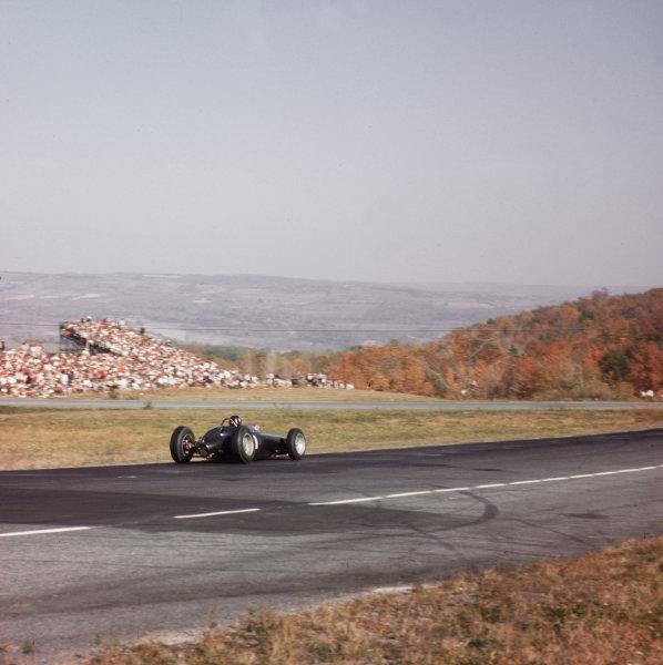 Watkins Glen, New York, USA.4-6 October 1963.Graham Hill (BRM P57) 1st position.Ref-3/1049.World Copyright - LAT Photographic